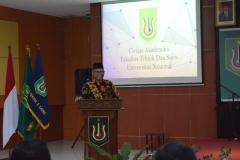 pembacaan doa dalam acara yudisium fakultas teknik dan sains unas