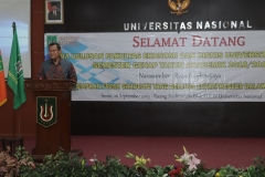 Dekan Fakultas Ekonomi Dr. Suryono Efendi, SE.,MM.