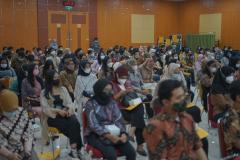 Para calon wisudawan yang hadir dalam yudisium FEB semester ganjil tahun akademik 2020/2021