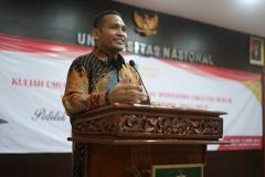 Dekan Fakultas Hukum Dr. Ismail Rumadan, S.Ag., M.H.