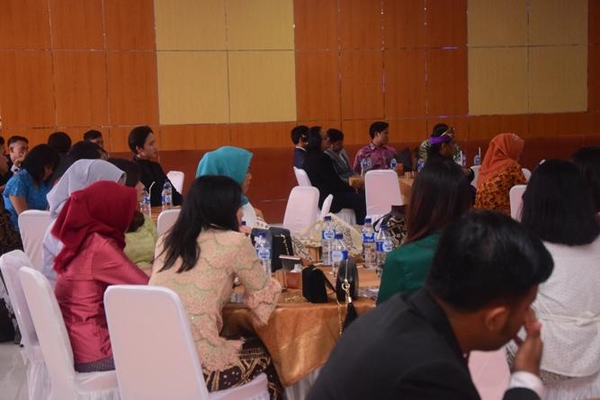 Wisudawan dan wisudawati yang hadir di acara yudisium