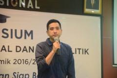 Keynote speaker dalam acara yudisium