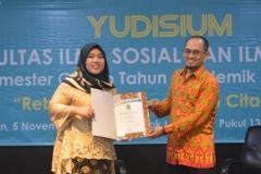 Yudisium FISIP Semester Genap Tahun Akademik 2017-2018 (5)
