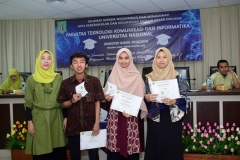 Penyerahan sertifikat secara simbolis kepada para lulusan FTKI UNAS,  di acara yudisium FTKI, di Menara UNAS, Ragunan, Jakarta, Senin (15-4) (2)
