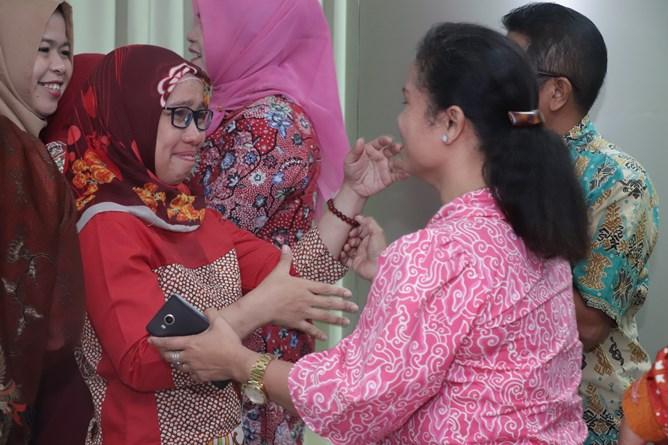Peserta yudisium pada acara pelepasan calon wisudawan di Ruang seminar lantai 3 menara UNAS Ragunan, Sabtu (13/4)