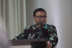 Wakil Direktur Sekolah Pascasarjana Dr. Firdaus Syam, M.A.
