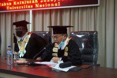 Pengumuman dan Penghargaan Kepada Wisudawan/wati terpilih oleh Dr. Rumainur, SH., MH dalam Yudisium Magister Hukum Sekolah Pascasarjana Universitas Nasional pada hari Sabtu, 19 Juni 2021