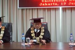Wakil Rektor Bidang Akademik, Kemahasiswaan, dan Alumni Universitas Nasional Dr. Suryono Efendi, S.E., M.M., dalam Yudisium Magister Hukum Sekolah Pascasarjana Universitas Nasional pada hari Sabtu, 19 Juni 2021