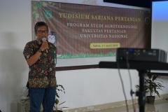 pembekalan kepada calon wisudawan yang disampaikan  dosen Fakultas Pertanian Saptomo Setiawan, S.P., M.M. pada acara pelepasan fakultas pertanian di laboratorium bambu kuning, Sabtu (12/04)