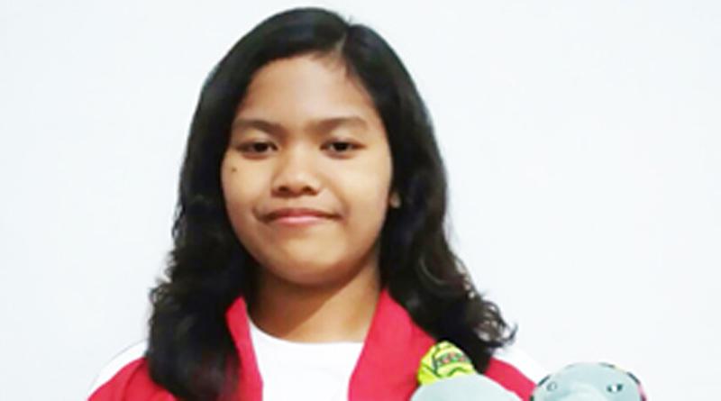 {:id}Peraih Medali Perak Kejuaran Renang di POMNAS 2015{:}{:en}Silver Medal Winner in POMNAS Championship Pool 2015{:}