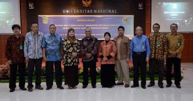 Foto Bersama Koordinator Kopertis Dengan Pimpinan UNAS