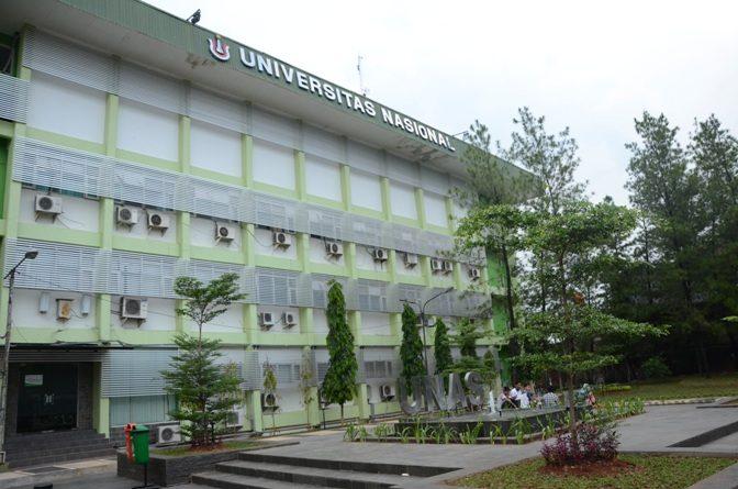 """Kegiatan Seminar Nasional """"Diskusi Publik HIMAKUM UNAS"""", Aula Blok 1 Lantai 4 UNAS, Selasa (29/11)."""