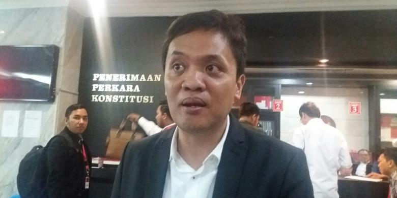 """1 Juta KTP Terkumpul, """"Netizen"""" Tagih Janji Habiburokhman untuk Terjun dari Monas"""