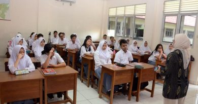 Pemberian Materi Monitoring Media (PKM)