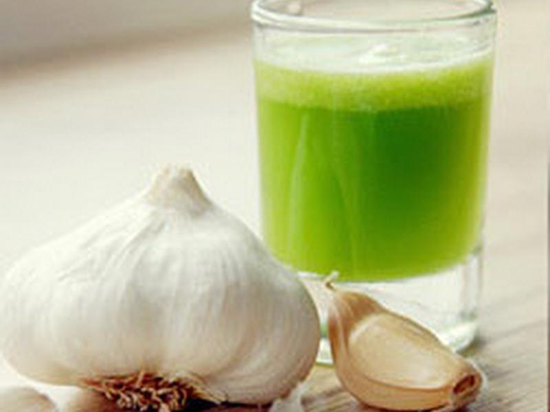 unas-khasiat-minum-segelas-jus-bawang-putih