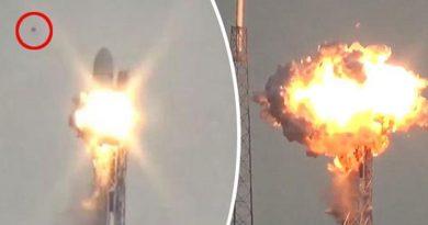 Roket Pembawa Satelit Facebook Meledak karena UFO?