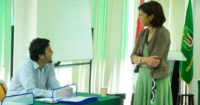 Proses Pengajaran Bahasa Italia yang diselenggarakan oleh kedutaan Italia, Pusat Kebudayaan Italia dan Universitas Nasional. Kegiatan tersebut Berlangsung di Ruang Seminar Lantai III Universitas Nasional, Senin (10/10).