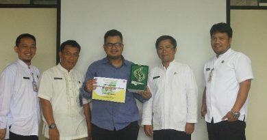 Penghargaan Wana Lestari Kepada Mahasiswa Pascasarjana Biologi.