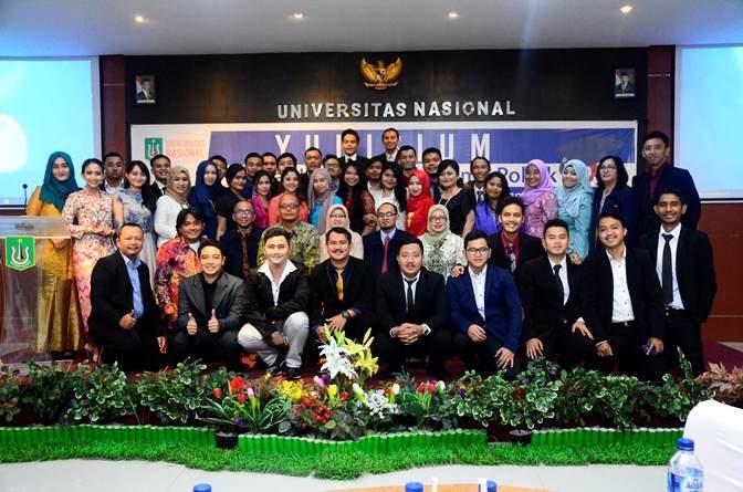 Kebersamaan dalam Yudisium Fakultas FISIP UNAS