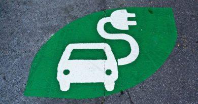 Perusahaan Mobil Buat Jaringan Pengisian Listrik