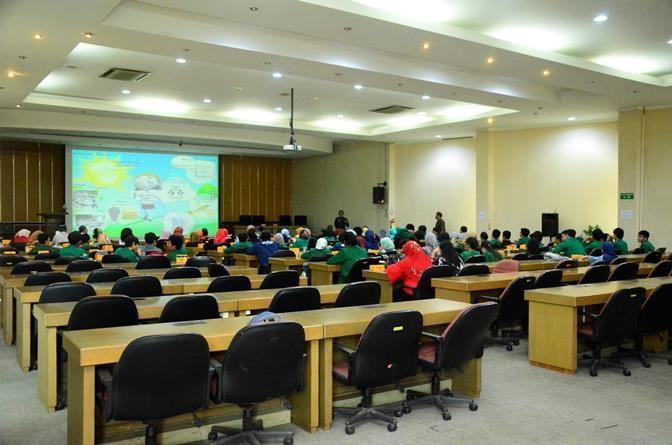 Proses Pengenalan Tenaga Nuklir BATAN, mahsiswa beserta dosen pendamping menghadiri sosialisasi tenaga nuklir BATAN Jakarta, Kamis (3/11).