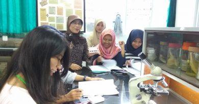 Kerjasama UNAS dan Poltekes 1 Jakarta melakukan kegiatan bersama di Lab Kimia Bambu Kuning