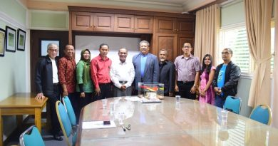 Silaturahmi Alumni Fisika dengan Rektor UNAS