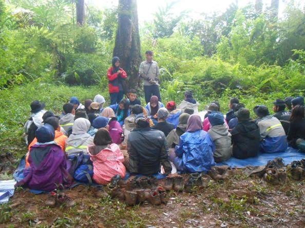 Mahasiswa Biologi Belajar Jadi Field Biologist