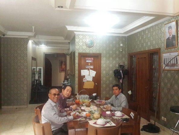 Rektor HUFS Korea dan Unas Diundang Makan Pagi Dirumah Prof Dr Yuddi Chrisnandi.