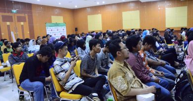 "Fakultas Teknologi Komunikasi dan Informatika (FTKI) Gelar Seminar Bertajuk "" Accelerating Innovation Thru Open Source and Mobile Computing"""