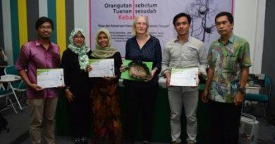 """Pusat Riset Primata UNAS bersama Fakultas Biologi Gelar Seminar """"Orangutan Tuanan Sebelum Sesudah Kebakaran: Riset dan Konservasi Orangutan di Kalimantan Tengah''"""