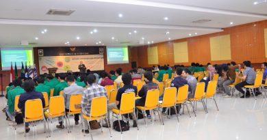 """Fakultas Teknik dan Sains Selenggarakan Seminar Bertajuk """" Membangkitkan Jiwa Kepemimpinan Bagi Mahasiswa"""""""