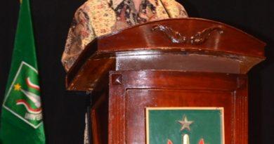 Sastrawan Nasional di Pengukuhan Wisudawan UNAS Periode II Tahun 2013