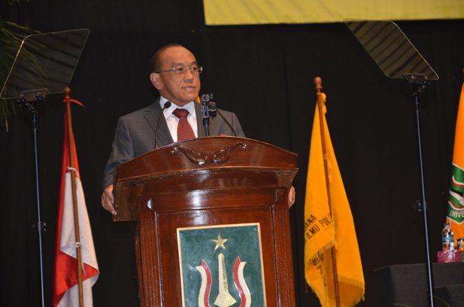 Aburizal Bakrie Keynote Speaker dalam Pengukuhan Wisudawan Periode II Tahun 2012