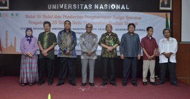 Seperempat Abad Mengabdi, UNAS  Berikan Penghargaan Satya Lencana Kepada Dosen dan Karyawan.