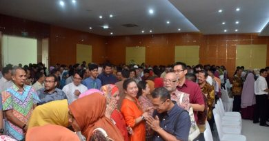 Mempererat Silaturahmi Antara Dosen dan Karyawan, Unas Gelar Halal Bihalal