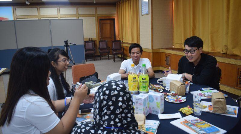 UNAS Kirimkan Delegasi Ikut International Youth Camp di Korsel