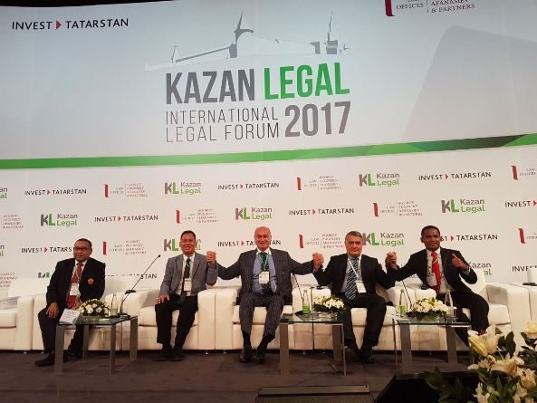 Fakultas Hukum UNAS diwakilkan oleh Dekan Fak.Hukum dalam undangan Kazan Legal International Forum 2017