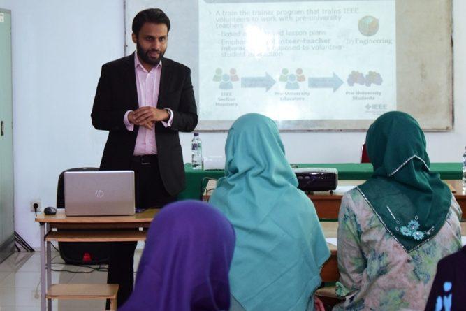 Workshop FTKI Training volunteer (Teacher in Service) 10