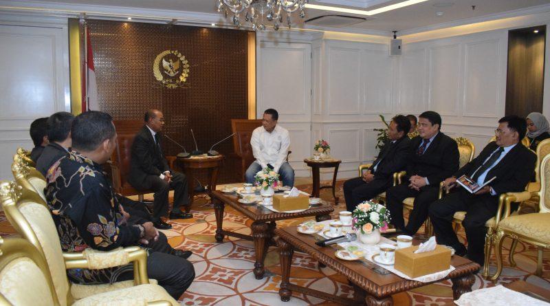 Pimpinan UNAS Silaturahmi ke Ketua DPR RI
