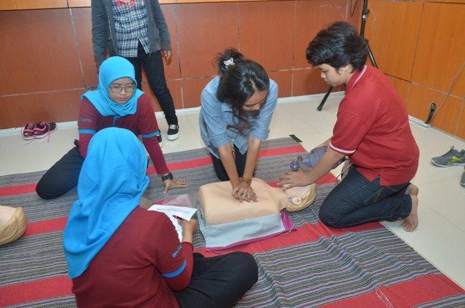 Pelatihan Bantuan Hidup Dasar (BHD) Ilmu Keperawatan