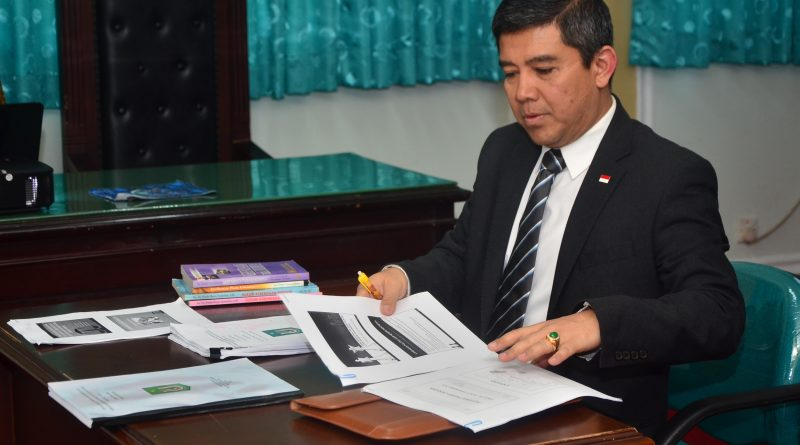Prof. Dr. Yuddy Chrisnandi, M.E. Lulus S1 Sarjana Hukum