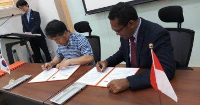 Penandatangan MoU Fakultas Hukum dengan Faculty of Law Youngsan University Korea