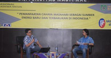 narasumber dan moderator sedang menjawab pertanyaan dari peserta