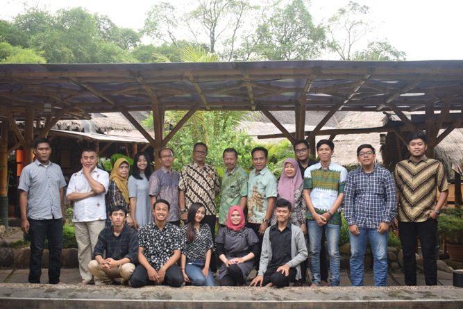 Pelepasan Mahasiswa Akparnas (8)