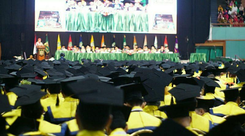 UNAS Luluskan 1076 Wisudawan dari Jenjang Diploma hingga Doktoral