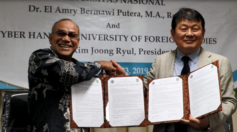 Penandatangan MoU UNAS - Hankuk University of Foreign Studies