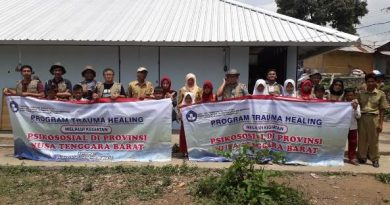 Kegiatan Trauma Healing Tim Relawan UNAS Kepada Korban Bencana Lombok-Palu