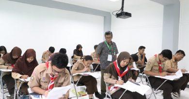 Konsentrasi - para peserta OSN fokus mengerjakan soal yang diberikan
