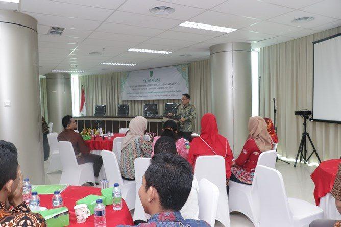 Saat acara pelepasan mahasiswa berlangsungdi Ruang seminar lantai 3 menara UNAS Ragunan, Sabtu (13/4)